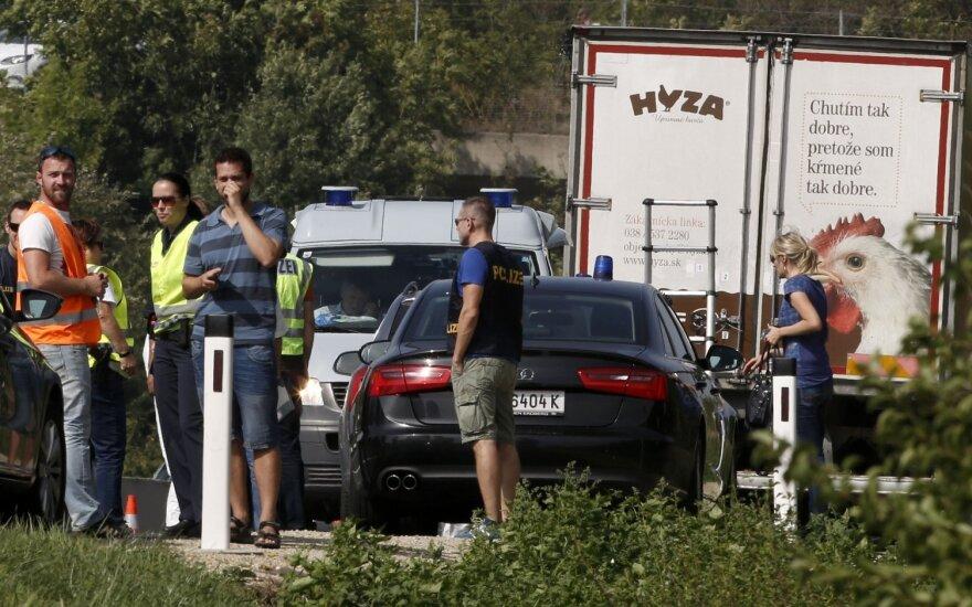 В Австрии в грузовике обнаружены тела десятков беженцев