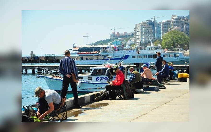 Крым: Как полуострову живется в России, не закончив еще с Украиной