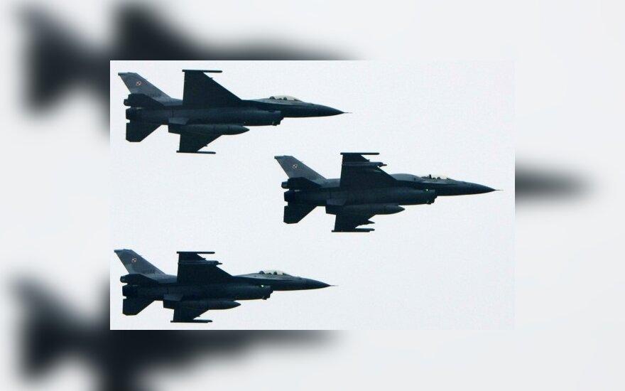Из-за ложной угрозы Обаме в воздух подняли F-15