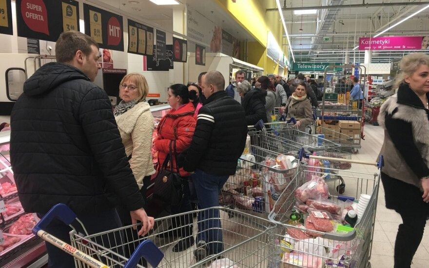 В День восстановления государства литовцы отправились за покупками в Польшу