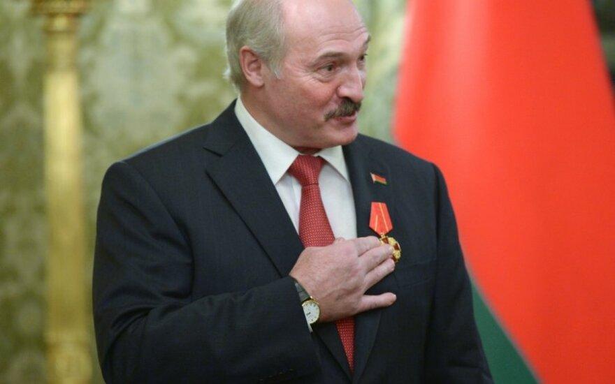 V. Putinas įteikė A. Lukašenkai Šv.Aleksandro Neviškio ordiną