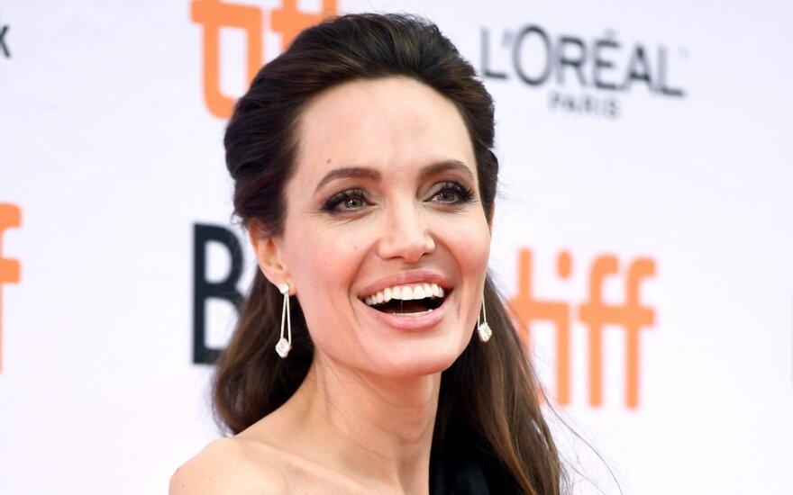 Друзья: брак Джоли и Питта держался на отличном сексе