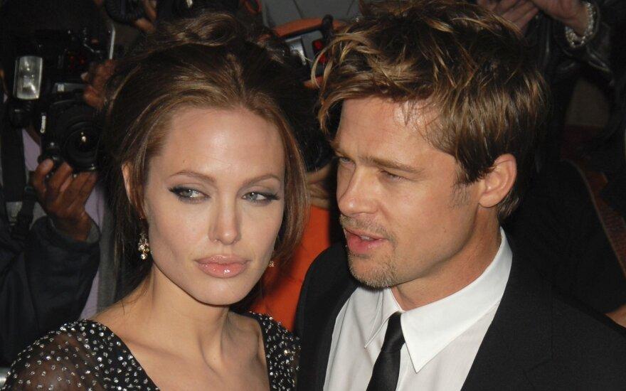 В скандальном разводе Джоли и Питта всплыл многомиллионный кредит