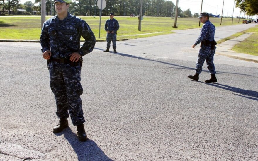 JAV kariškių bazėje Tenesyje per šaudymą buvo sužeisti du kariai