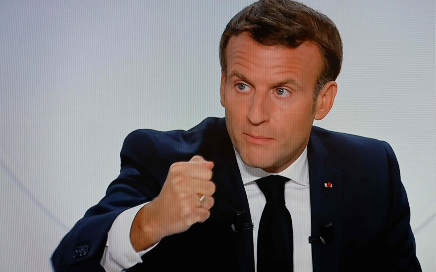 Emmanuelis Macronas kreipėsi į tautą duodamas TV interviu 2020 m. spalio 14 d.