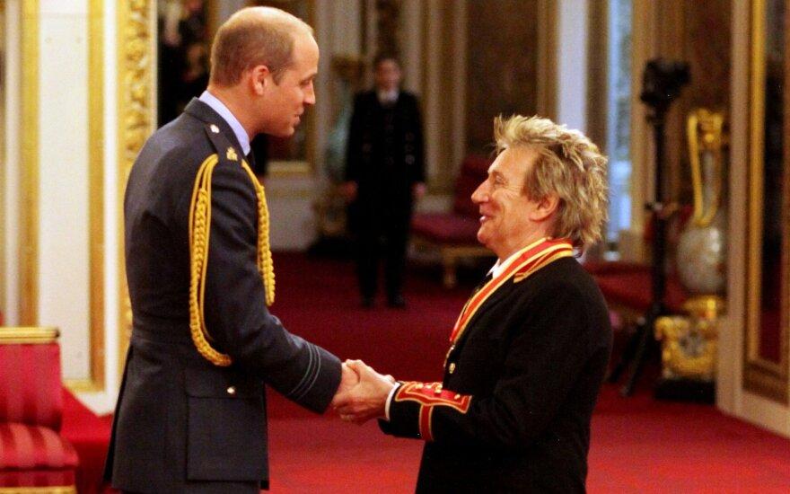 Британский певец Род Стюарт посвящен в рыцари