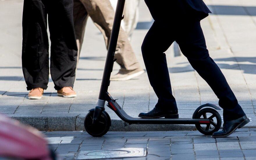Руководство Паланги запретило ездить на электросамокатах и велосипедах в центре города