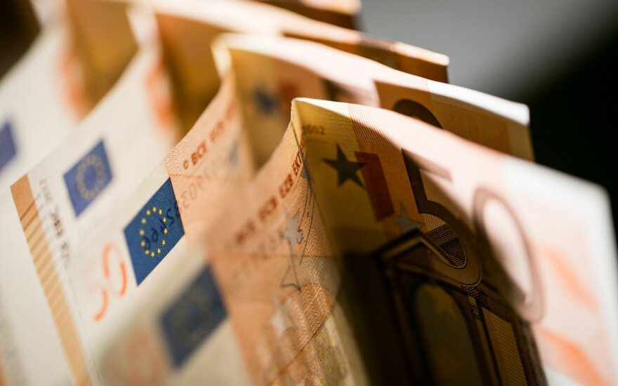 Минимальная зарплата в следующем году может увеличиться на 20-50 евро