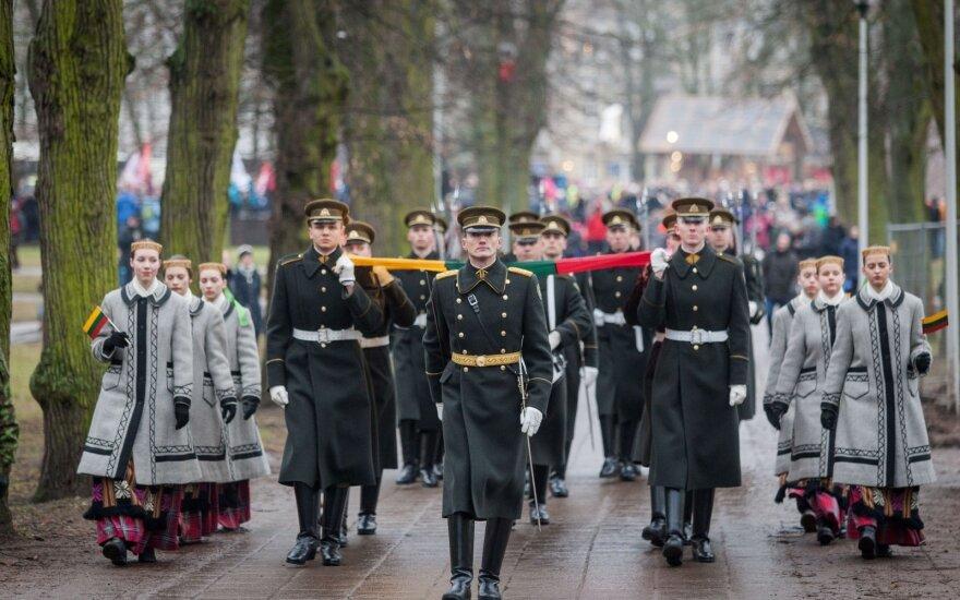 Треть жителей Литвы поддерживает идею всеобщей воинской обязанности