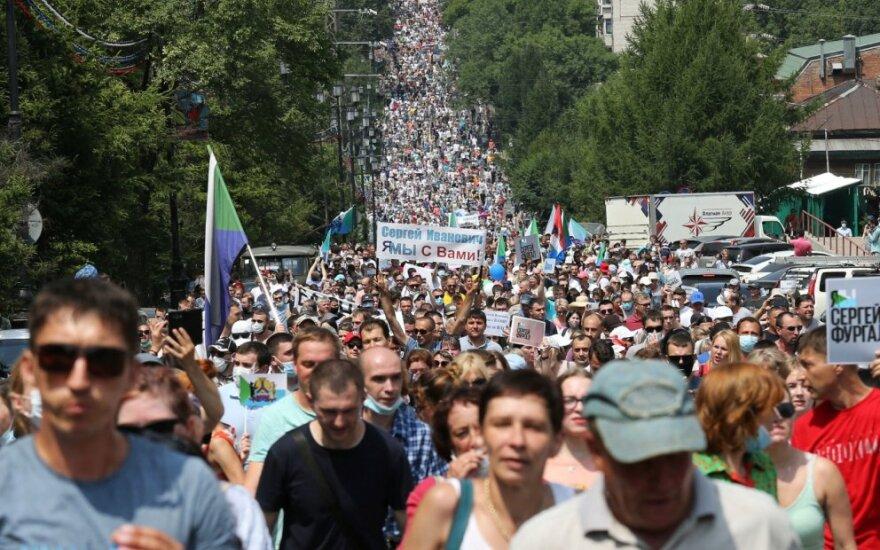 Protestuotojai Chabarovske reikalauja paleisti Sergėjų Frugalą