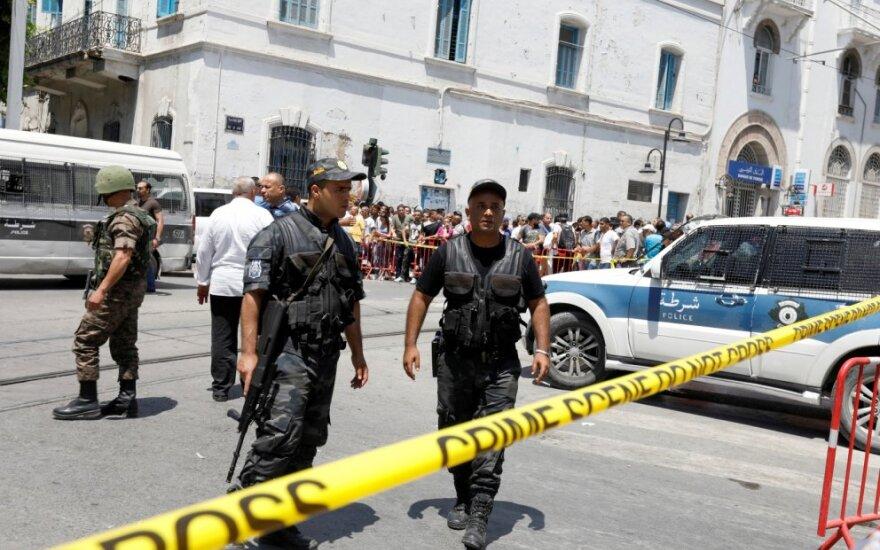 Tunise per dvigubą mirtininkų sprogdintojų išpuolį sužeisti 9 žmonės