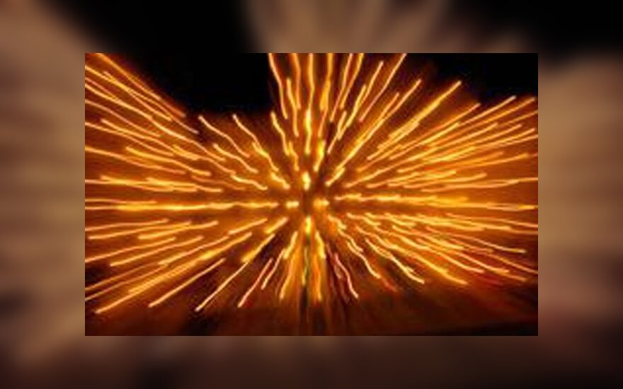 """Научные открытия - 2011: свет из ниоткуда и """"живой"""" лазер из печени"""