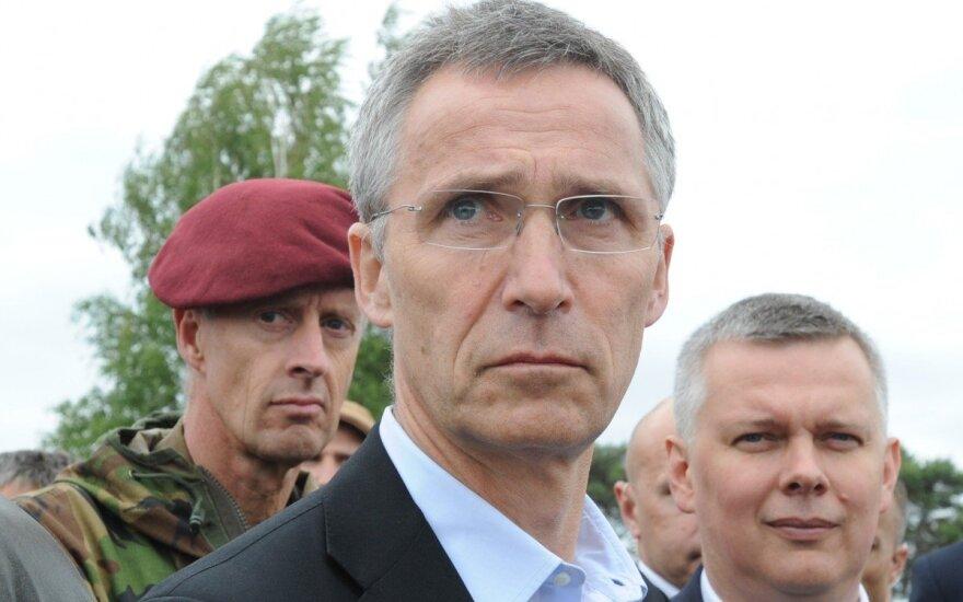 Jensas Stoltenbergas, Tomaszas Siemoniakas