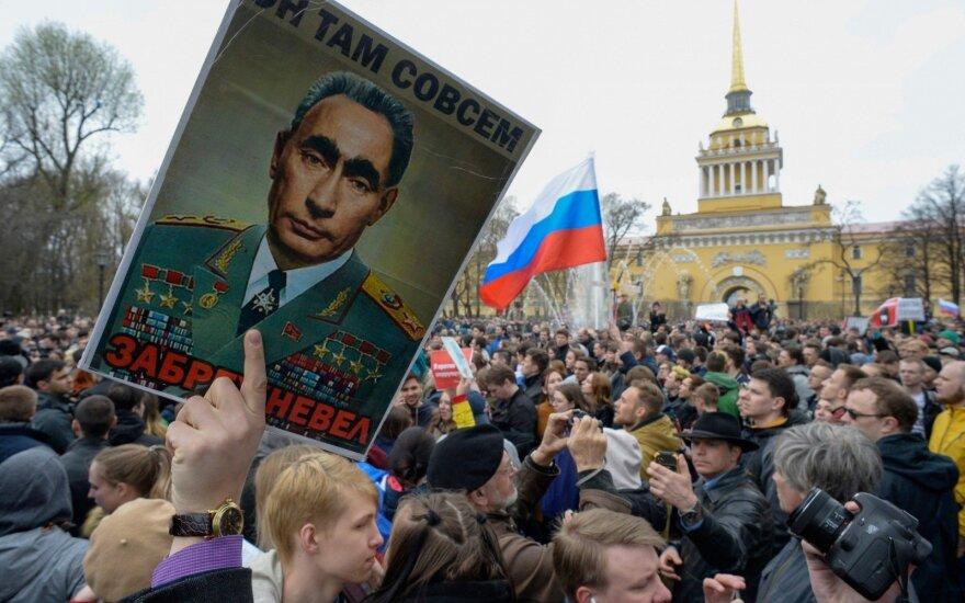 Рост цен, обнищание, безработица: всколыхнулись даже инертные слои россиян