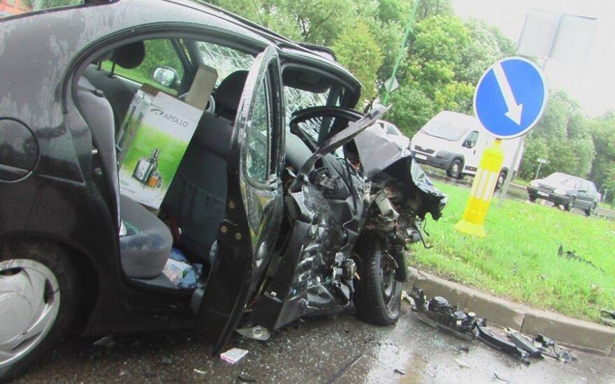 В Клайпеде столкнулись два Renault: пострадали два человека