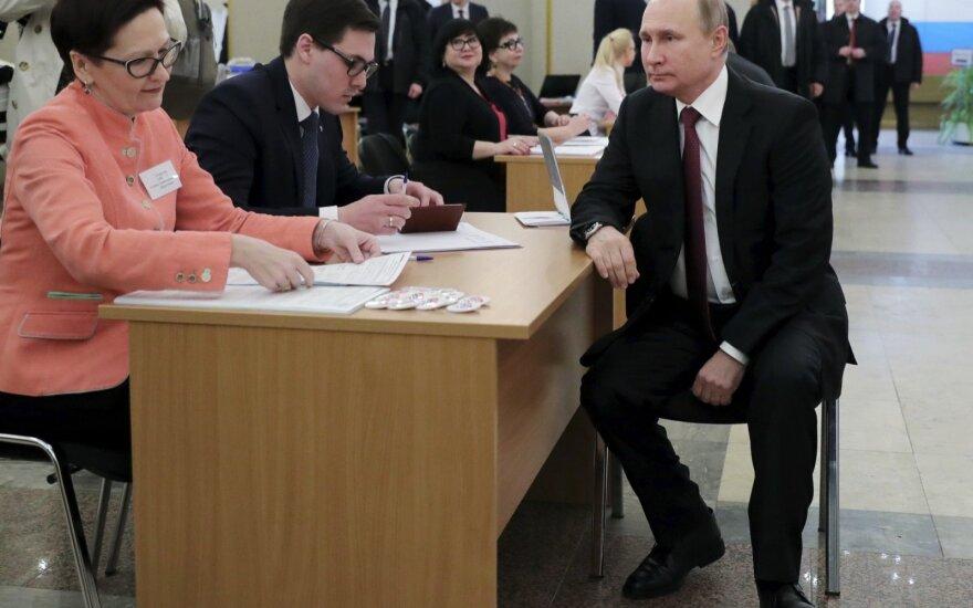 """Путин """"уверен в правильности"""" программы, которой на его сайте кандидата не было"""