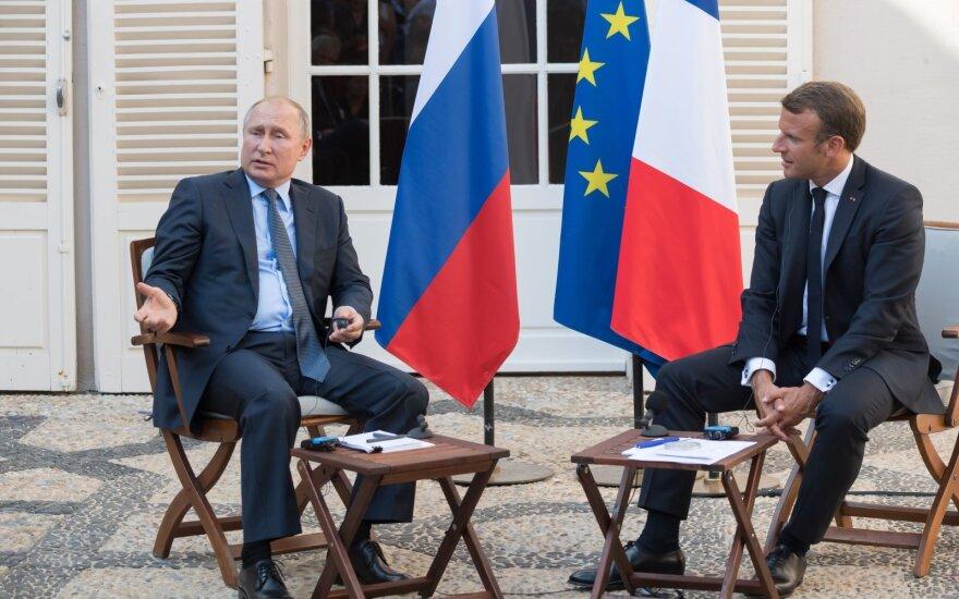 Emmanuelis Macronas, Vladimiras Putinas