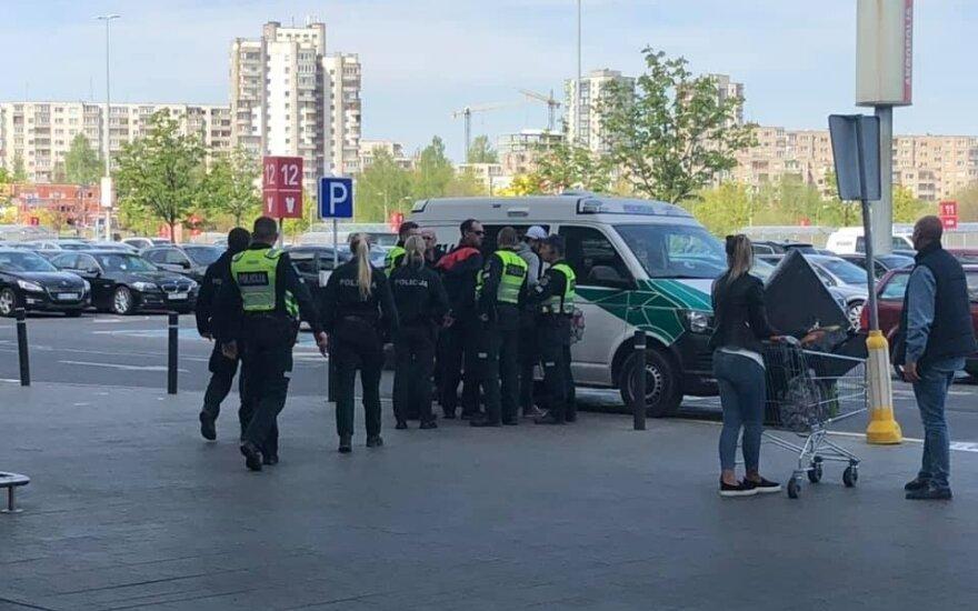 В Вильнюсе задержали мужчин, которые пытались обокрасть банкомат