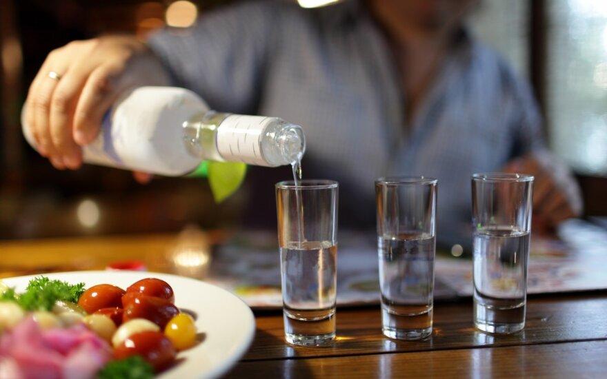 В Висагинасе – подозрительная смерть во время пьянки