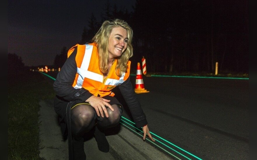 Świecące drogi zamiast elektrycznych latarni