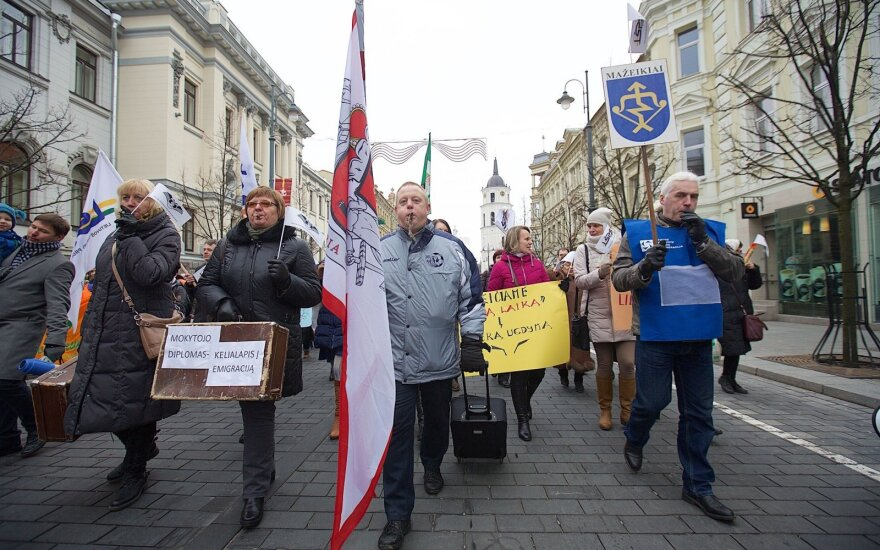 Teachers staged a rally in Vilnius last week