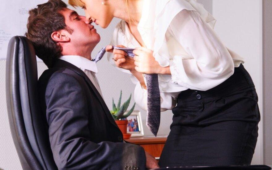 Polacy rzadko romansują w pracy ze strachu przed jej utratą