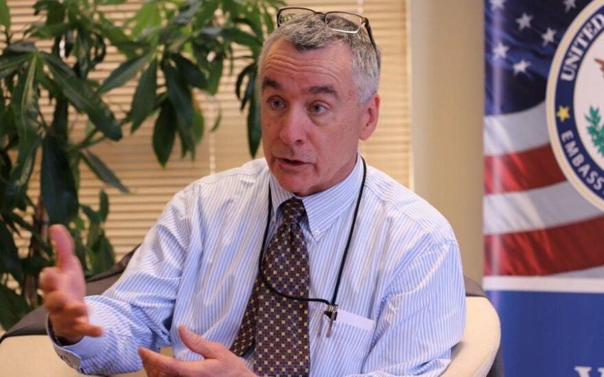 Брент Хартли: США будут поддерживать Литву в отношениях с Россией