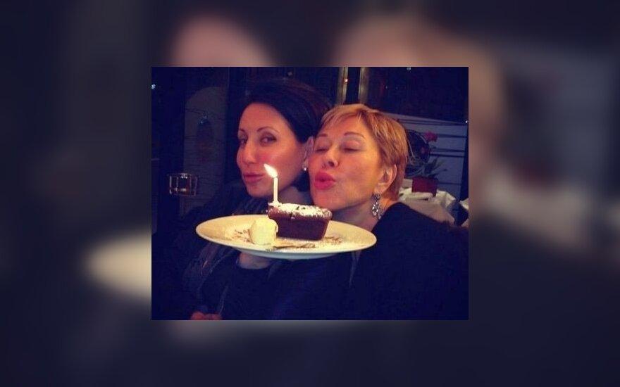 Любовь Успенская отпраздновала 60-летие в Париже