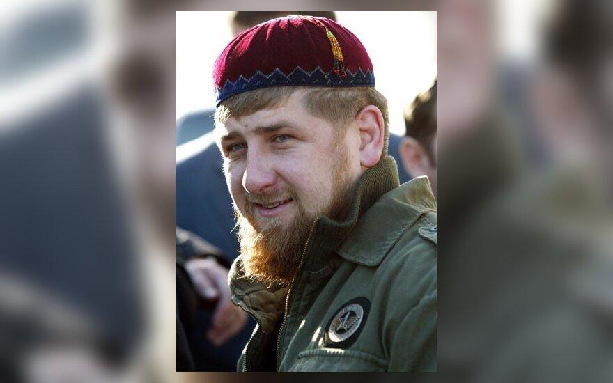"""Кадыров отсудил у """"Новой газеты"""" 100 тыс. рублей"""