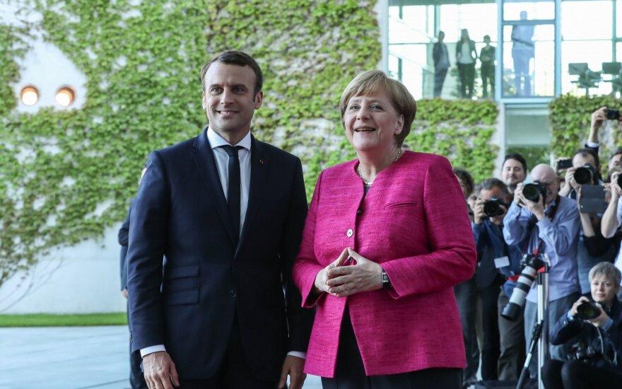 Меркель и Макрон договорились о совместной разработке нового истребителя