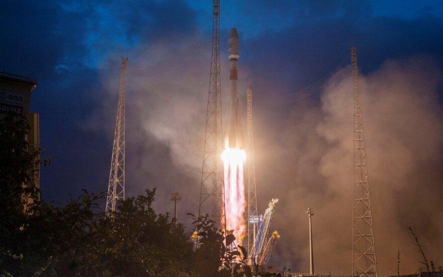 Raketa Sojuz skraidina šešis Airbus SE ir OneWeb palydovus