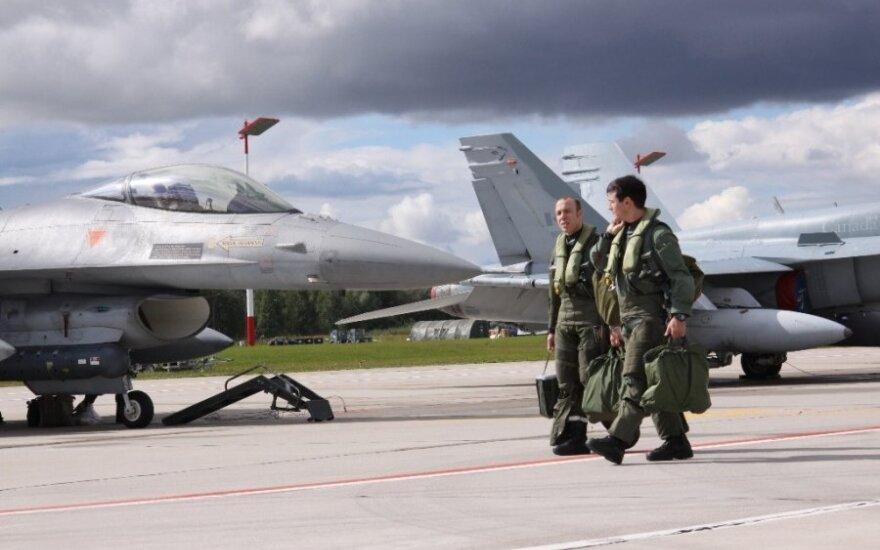 Глава МИД Литвы: в конце июня Франция пришлет в Литву 300 военных