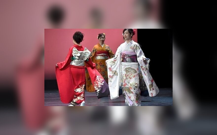 ФОТО: В Риге состоялся уникальный показ японских кимоно