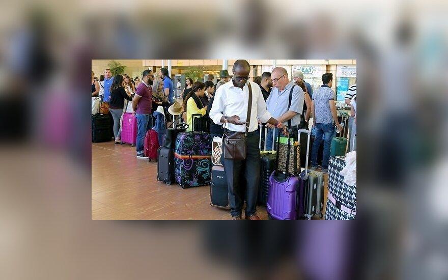 Британский турист сел в самолет в Египте, избежав все зоны контроля