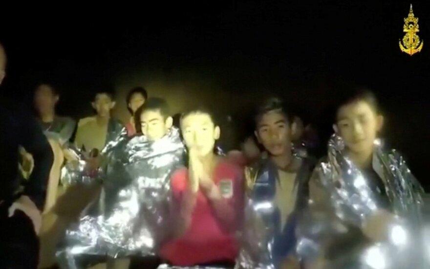 Urve Tailande įstrigę berniukai