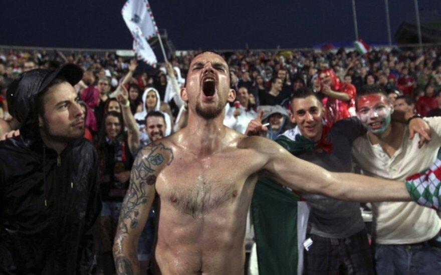 Заглаживая вину, венгерские футболисты купили билеты фанам на выездной матч