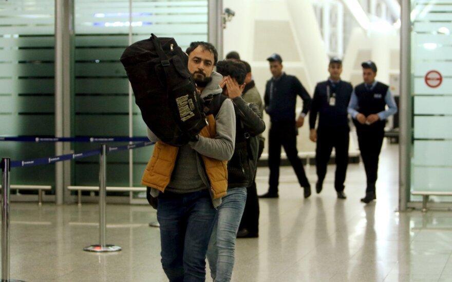 В Германии предложили проверять мобильники мигрантов