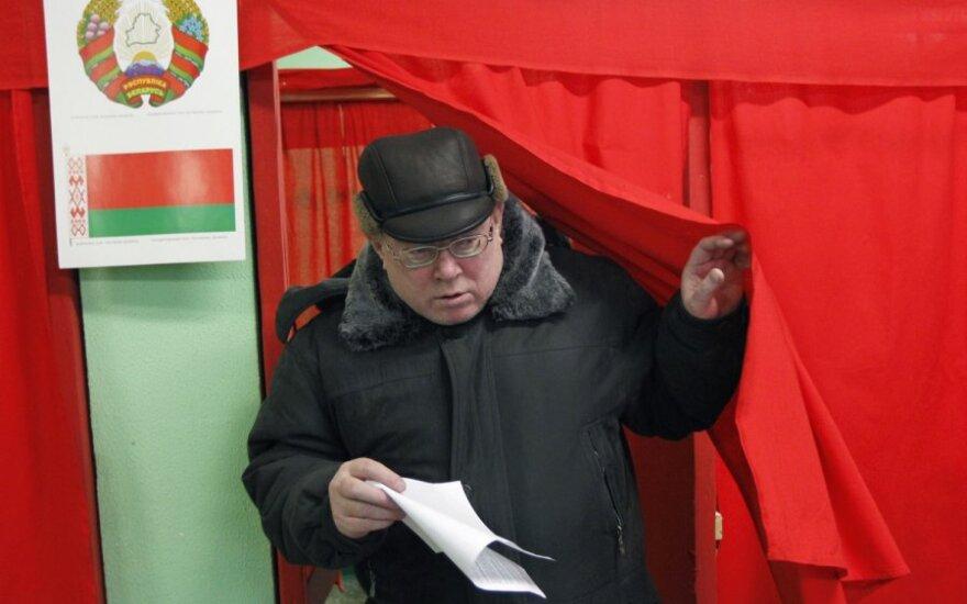 Две белорусские партии бойкотируют парламентские выборы