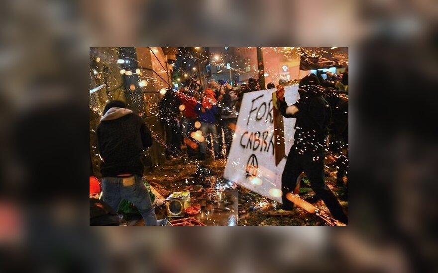 Мирные марши в Бразилии завершились насилием