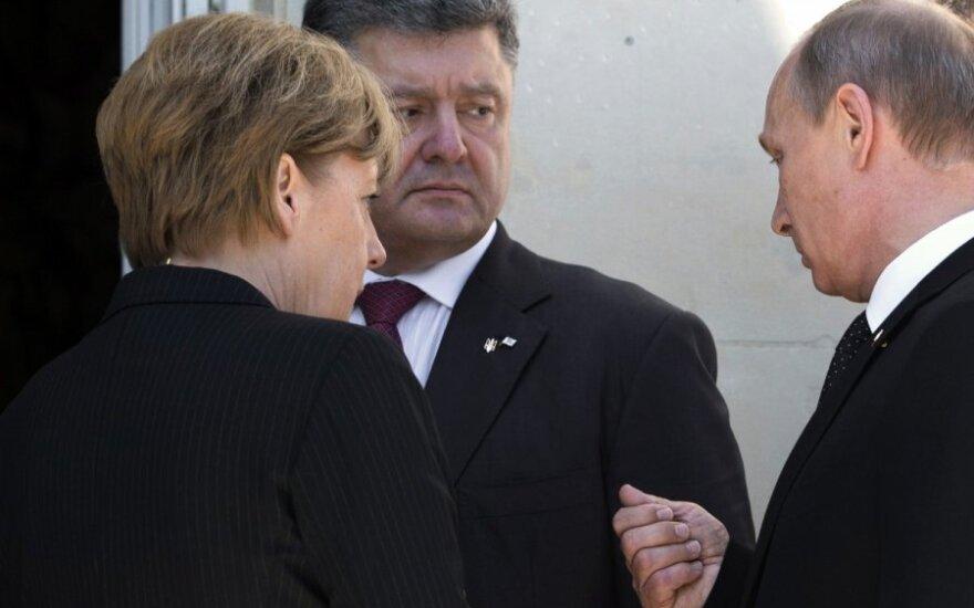 Порошенко и Меркель: ситуацию на Украине пора обсуждать на высшем уровне