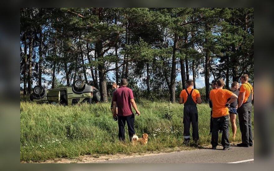 В Вильнюсе перевернулся автомобиль, погибла водитель