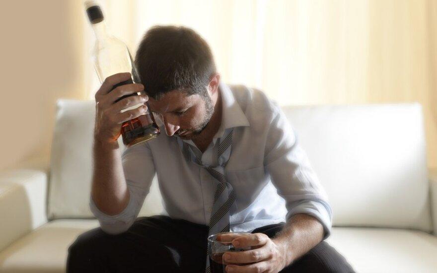 Опрос: что больше всего влияет на употребление алкоголя