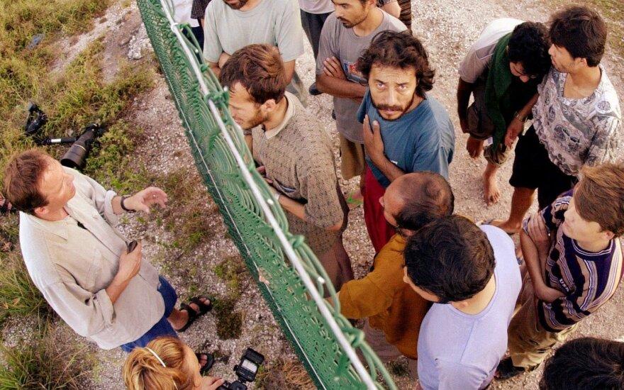 США примет часть мигрантов, приплывших в Австралию