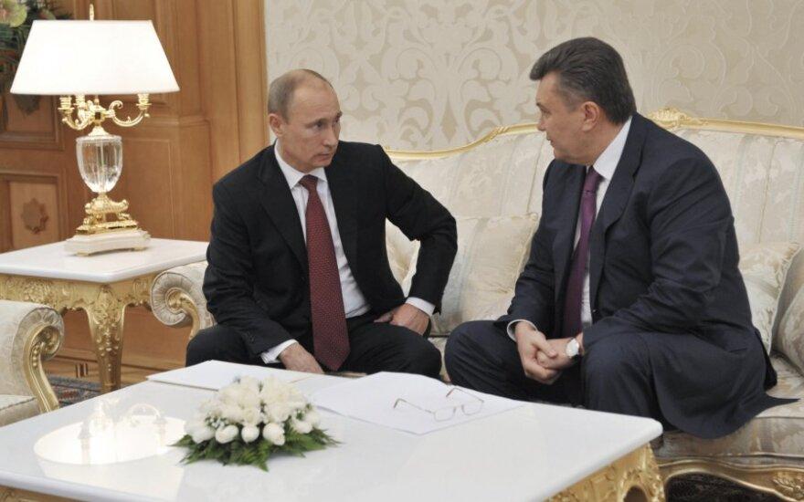Саммит СНГ: Путин, Янукович и Назарбаев заговорились, заставив коллег ждать