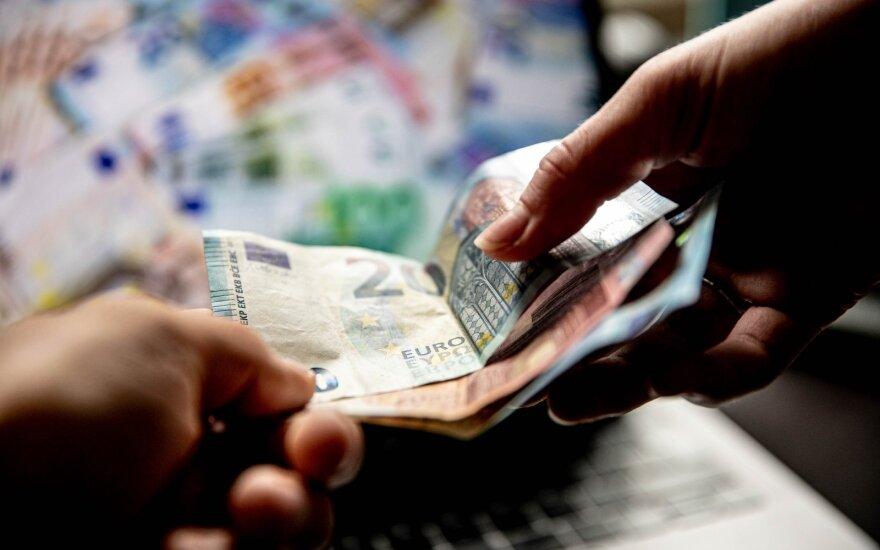 60-летние в Литве получают выплаты, но без работы остаются люди из другой возрастной группы