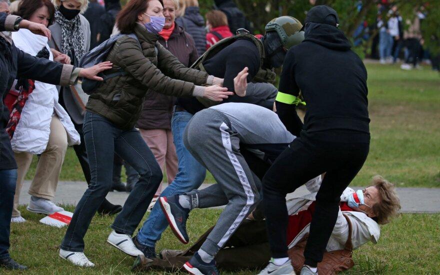 Правозащитники сообщили о почти 600 задержаниях в Беларуси