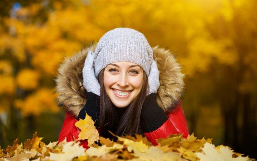 mergina, ruduo, kepurė