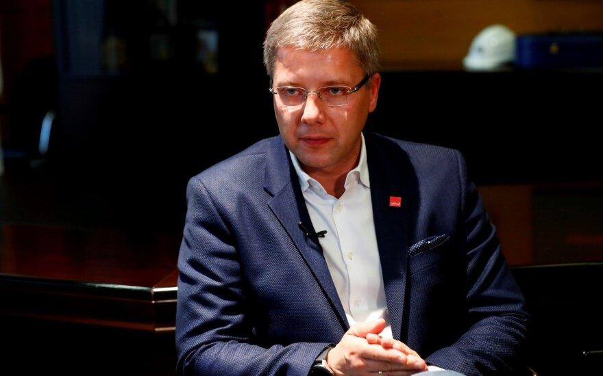 Экс-мэр Риги Ушаков официально покинул должность