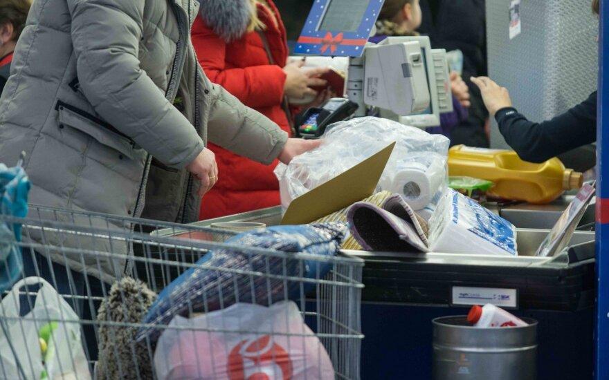 """""""Раньше сумки ногами в багажник запихивали"""". Выгодно ли ездить """"на закупы"""" в Вильнюс и что там покупают белорусы"""