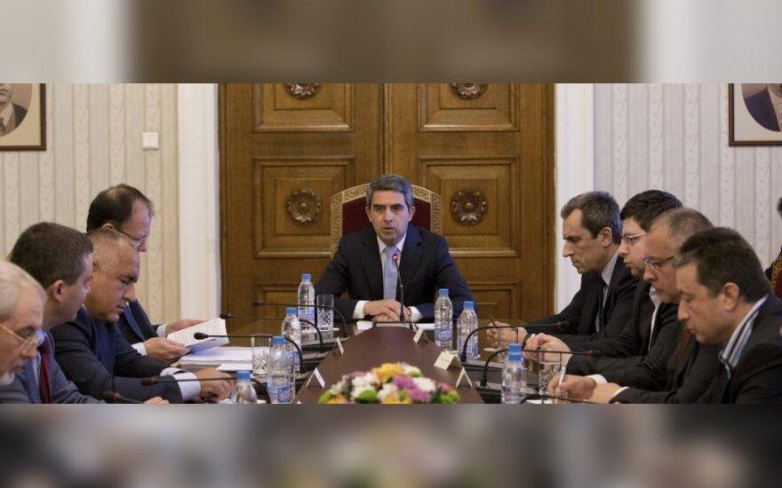 Bulgarijos prezidentas  Rosenas Plevnelijevas su politinių partijų lyderiais